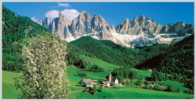 Italy: Cycling the Dolomite Valley